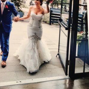 Anjolique Wedding Dress- size 8 (reg. Size 4)